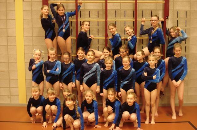 groepsfoto-meisjes-mini-drie-en-vierkamp